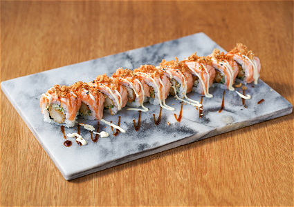 Foto Surf & Turf crispy chicken roll 9 stuks
